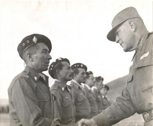 Guerin Serac in servizio in Algeria. È il primo a sinistra.