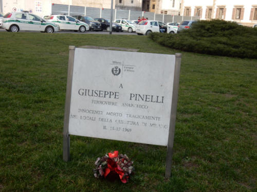 Targa per Giuseppe Pinelli